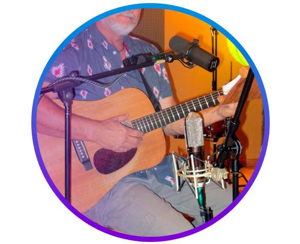 میکروفون گذاری برای رکورد وکال و گیتار آکوستیک به طور همزمان